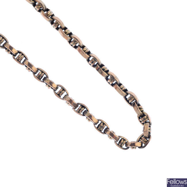 An early 20th century 9ct gold necklace.
