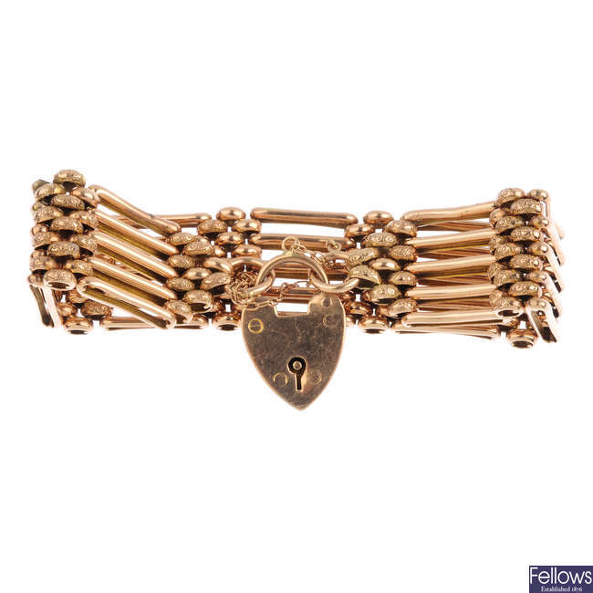 An early 20th century gold bracelet.
