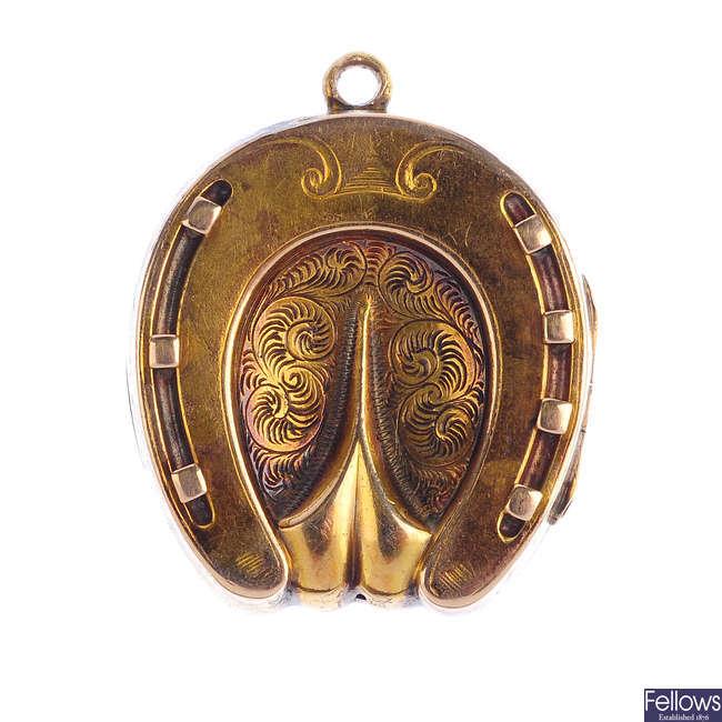 An early 20th century locket.