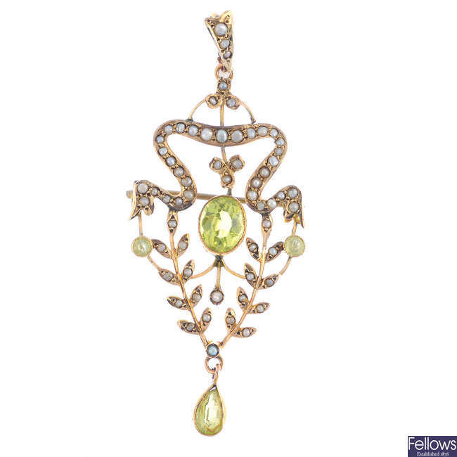 An early 20th century 9ct gold 'Dearest' ring, and a peridot and split pearl pendant.