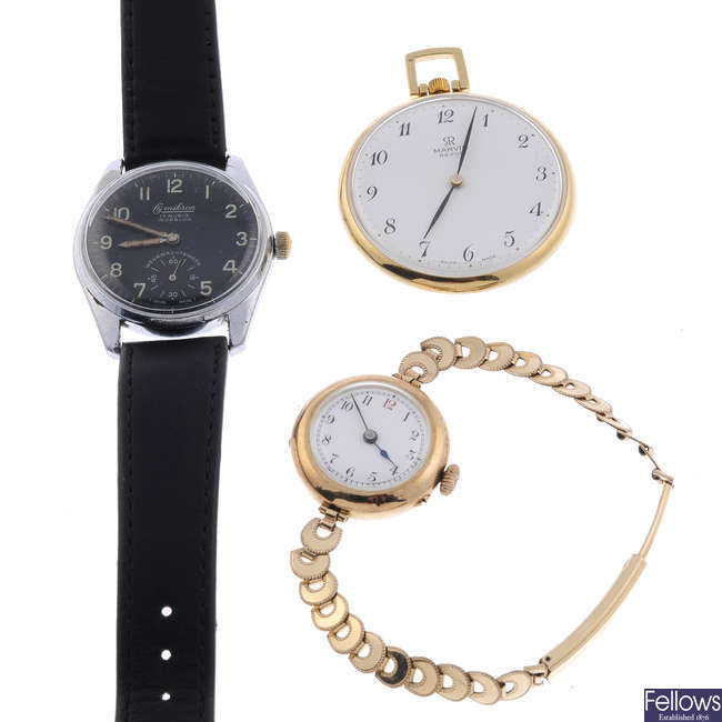 A lady's 9ct yellow gold wrist watch.