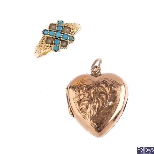 Two items of jewellery.