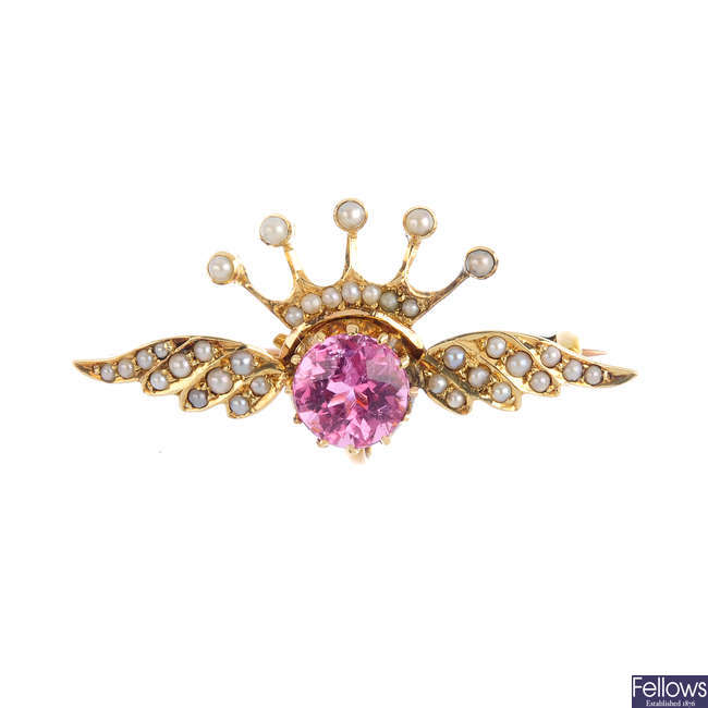 An Edwardian 15ct gold, tourmaline and split pearl brooch.