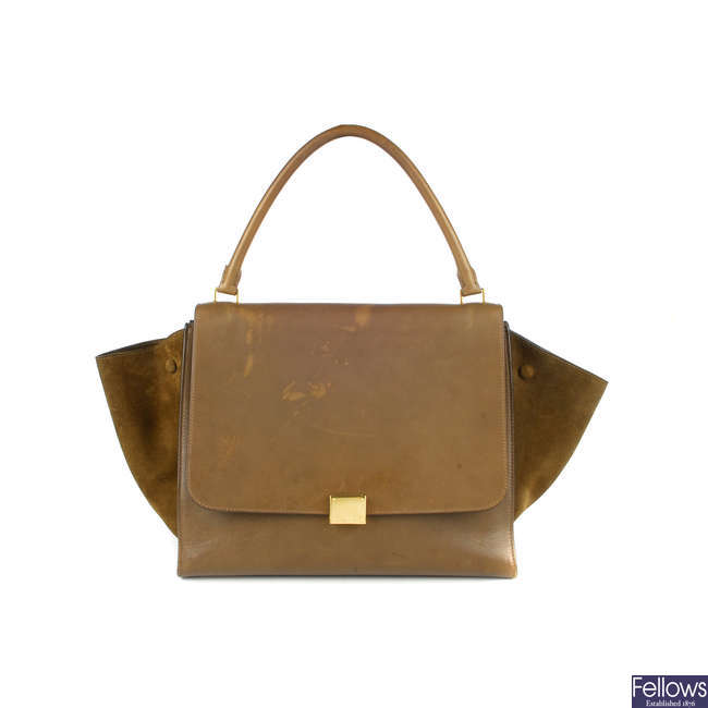 CÉLINE - a khaki leather Trapeze handbag.