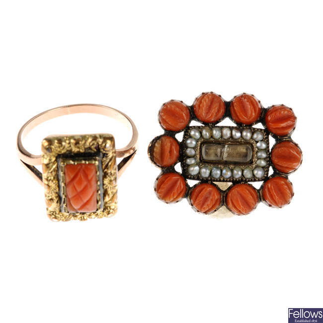 Two items of early 19th century coral jewellery.
