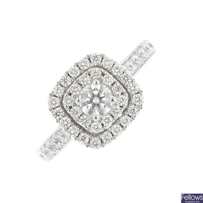 A 14ct gold diamond cluster ring.