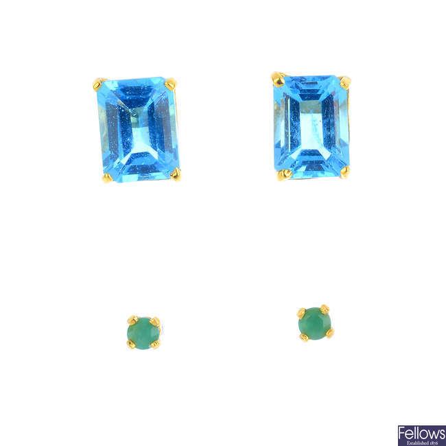 Two pairs of gem-set stud earrings.
