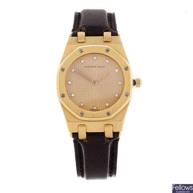 AUDEMARS PIGUET - a gentleman's 18ct yellow gold Royal Oak wrist watch.