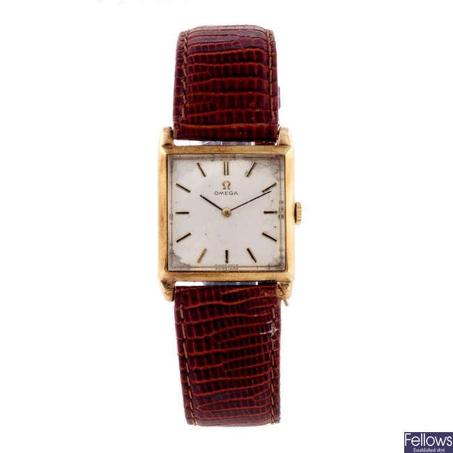 OMEGA - a gentleman's 9ct yellow gold wrist watch.