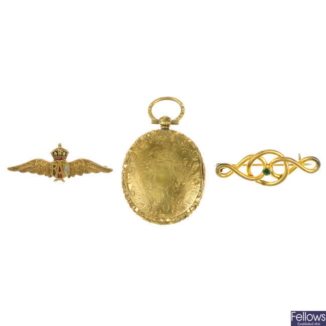 A selection of late 19th to early 20th century rolled gold items of jewellery and novelties.