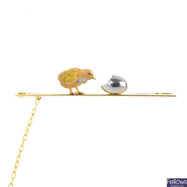 An early 20th century hatched chick brooch.