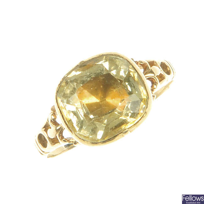 A George II gold citrine ring.