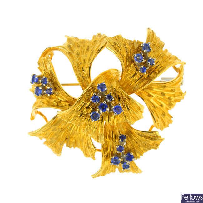 A sapphire brooch.