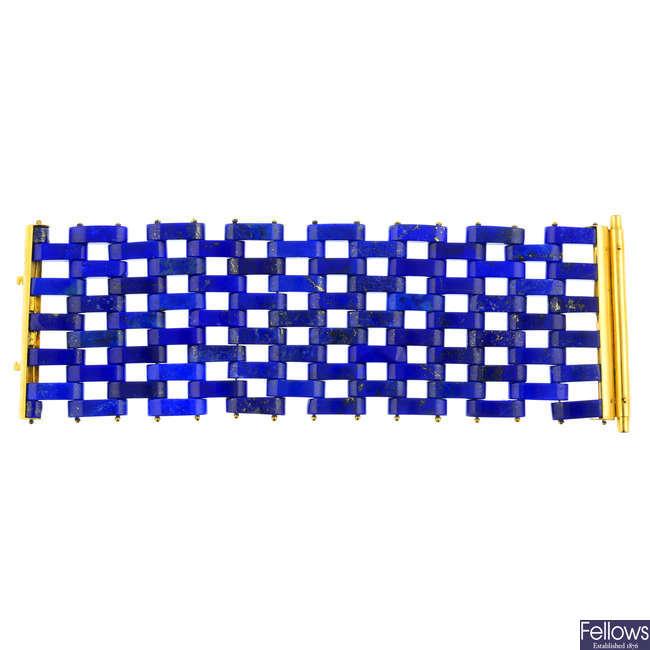 A lapis lazuli bracelet, by Maurizio Pintaldi.