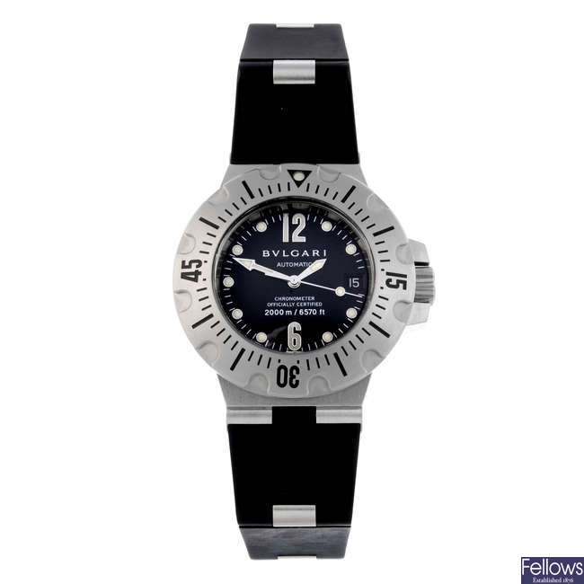 BULGARI - a gentleman's stainless steel Diagono Professional Scuba wrist watch.
