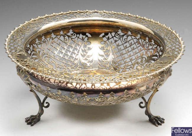 An early twentieth century pierced silver fruit dish.