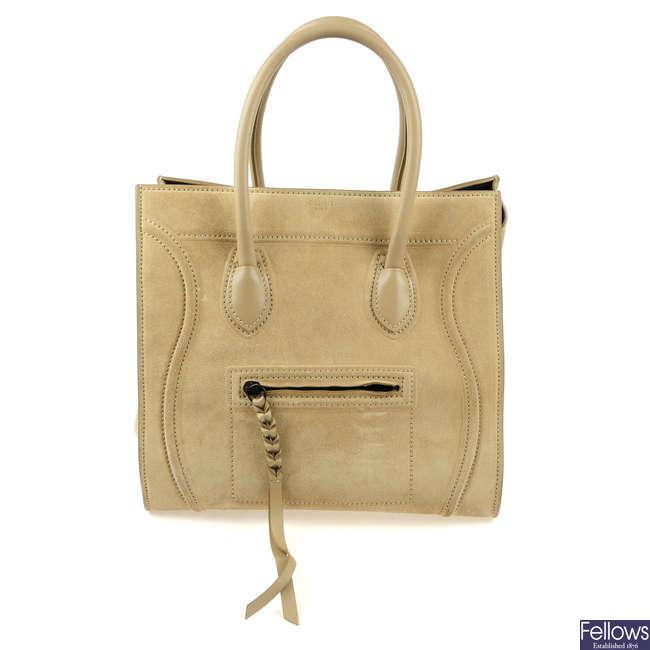 CÉLINE - a Medium Luggage Phantom handbag.