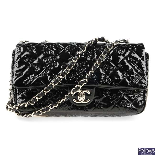 CHANEL - a patent leather Single Flap Icon handbag.
