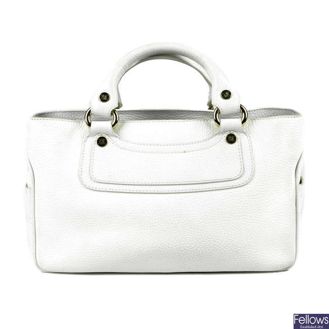 CÉLINE - a white leather Boogie handbag.