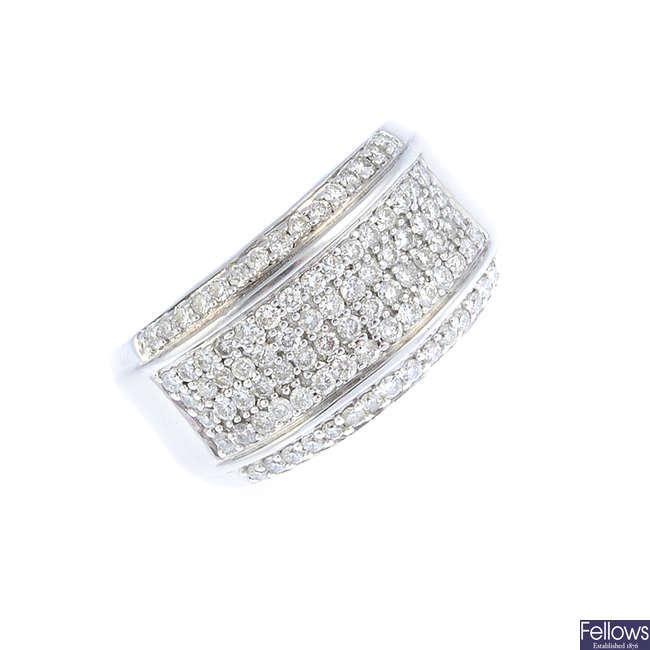 A 14ct gold diamond dress ring.