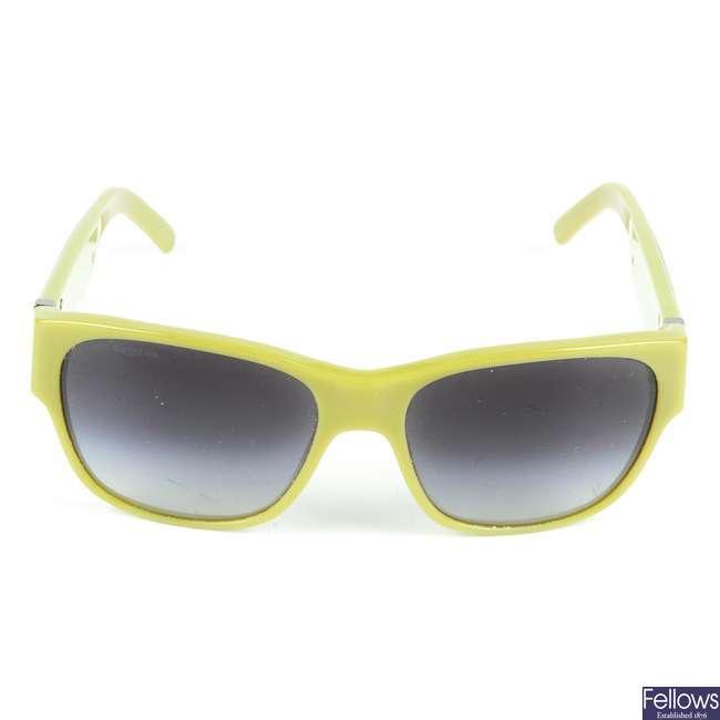BURBERRY - a pair of sunglasses.