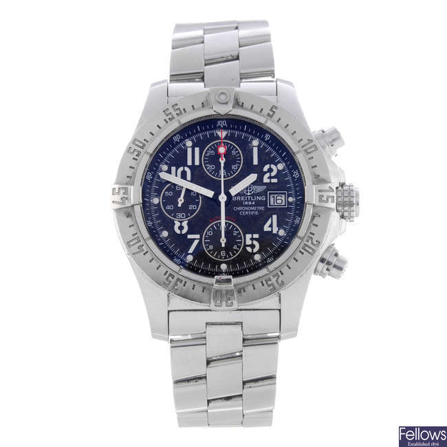 BREITLING - a gentleman's stainless steel Avenger Skyliner chronograph bracelet watch.