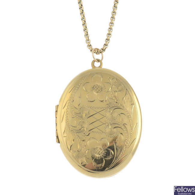 A locket pendant, with 9ct gold chain.