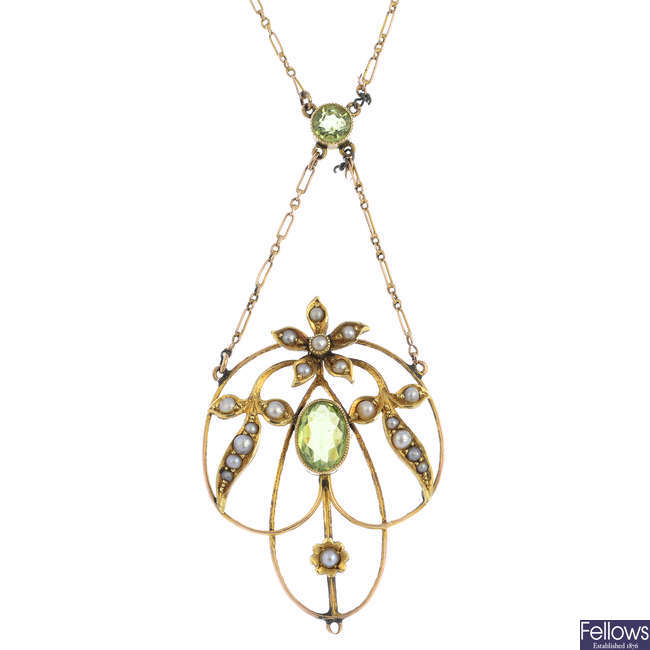 An early 20th century 9ct gold peridot and split pearl pendant, with chain.