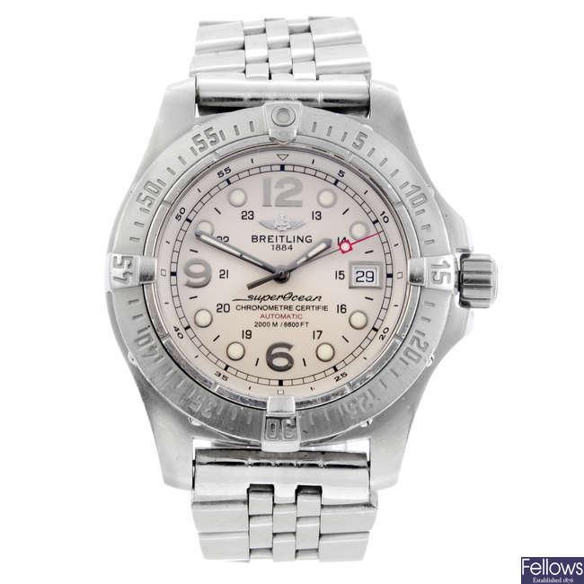BREITLING - a gentleman's stainless steel Aeromarine SuperOcean Steelfish X-Plus bracelet watch.