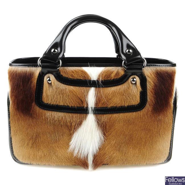 CÉLINE - a Boogie handbag.