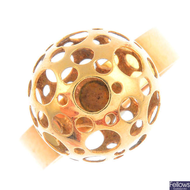 NESTOR WESTERBACK - a 1970s 14ct gold 'Ladybird' ring.