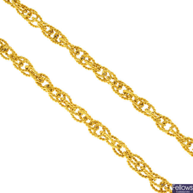 KUTCHINSKY - a 1970s 18ct gold necklace.