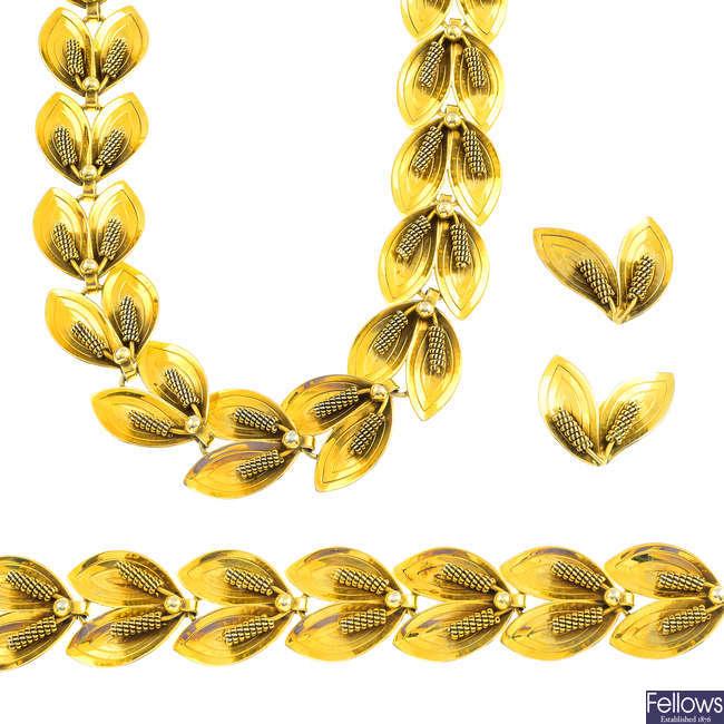 AARRE & KROGH EFTF - a suite of silver gilt jewellery.
