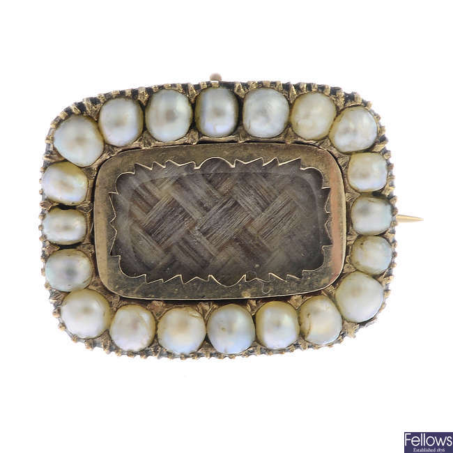 A late Georgian gold split pearl memorial brooch.