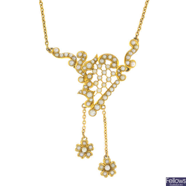 An early 20th century 15ct gold seed pearl necklace.