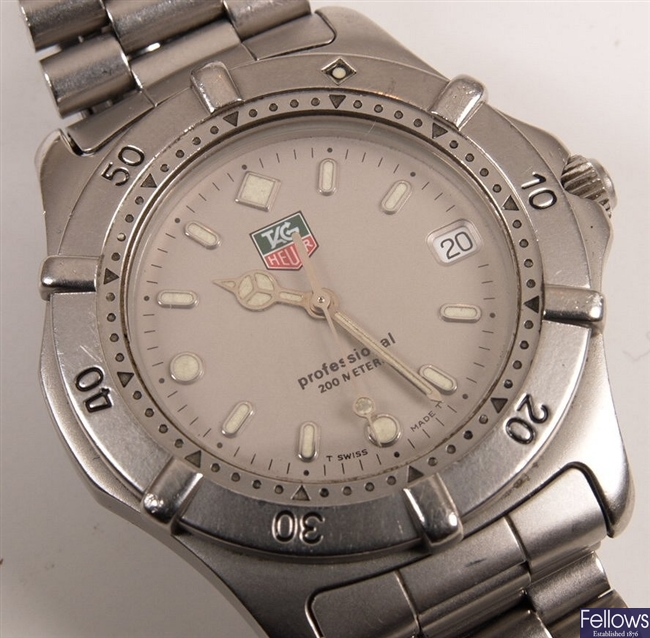 TAG HEUER - a gentleman's stainless steel 2000