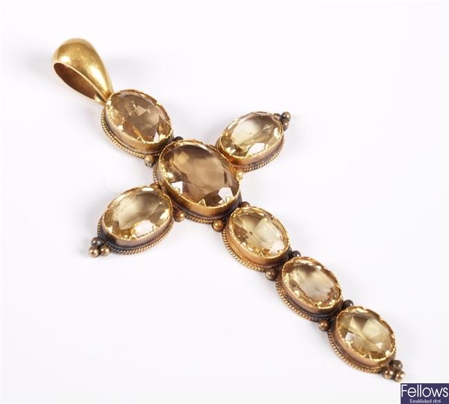Edwardian 9ct gold citrine set cross pendant