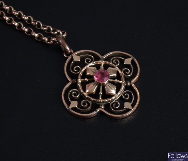 Edwardian 9ct gold open work pendant with central