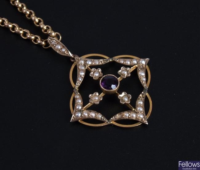 Edwardian 9ct gold open work pendant set a