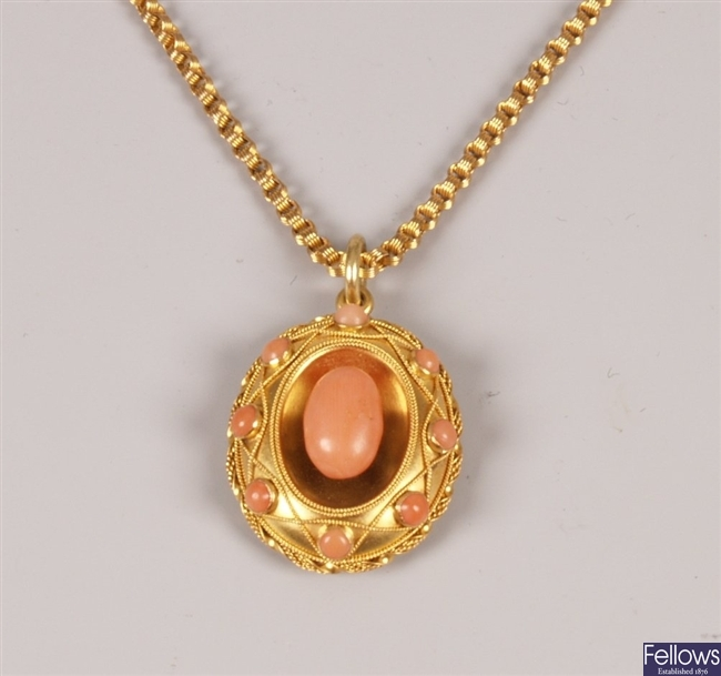 Edwardian coral set pendant, a central coral