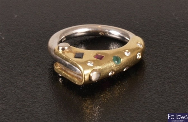 750 bi-colour gold mounted 'Key' style ring set