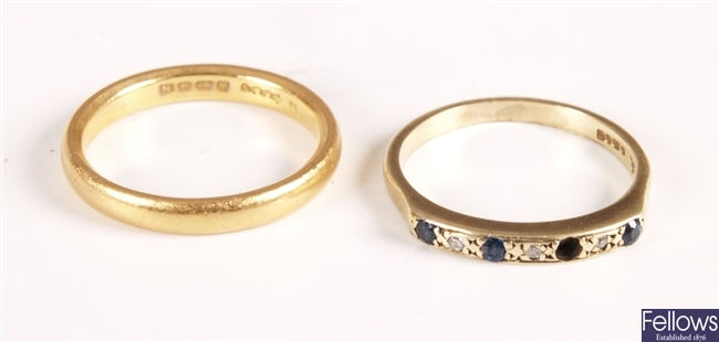 Two items of jewellery to include a 22ct gold