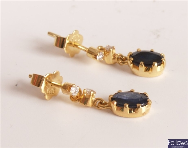 18ct gold diamond and sapphire earrings, round