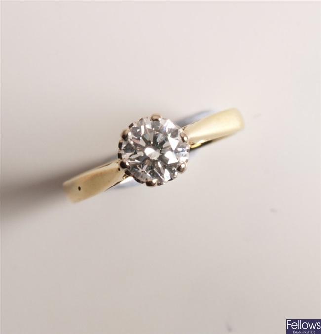 18ct gold single stone claw set round brilliant