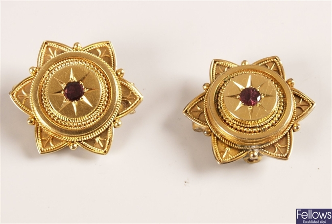 Pair of brooches in target style with six point