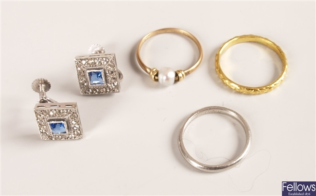 Small parcel lot to include a platinum wedding