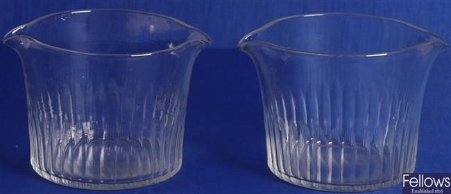 Wine glass rinsers