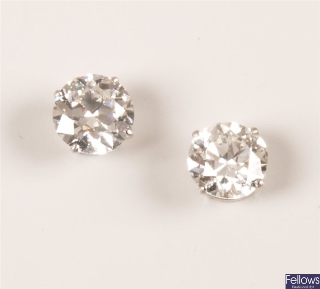 18ct white gold round brilliant diamond set stud