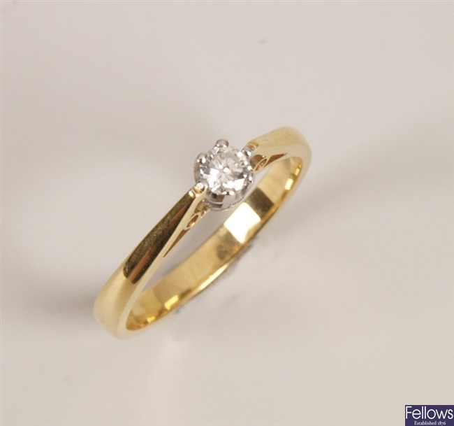 18ct yellow gold single stone diamond ring set in