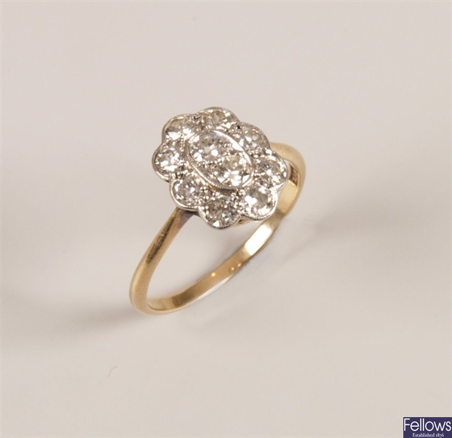 18ct gold diamond cluster ring, set two central